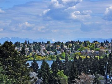 Phinney Ridge house rental - View of Greenlake and Cascade Mountains