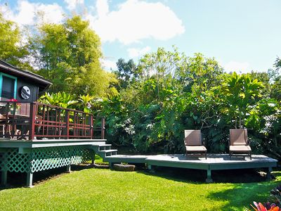 The cottage's bi-level lanai: Upper for dining