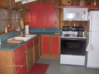 Highlands cabin photo - Kitchen with Refrigerator/Freezer, Microwave, Oven/Stove, Coffee Maker & Toaster