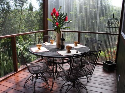 Al fresco dining on the lanai