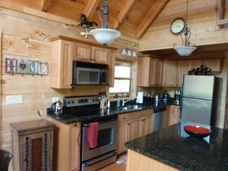 Hot Springs cabin photo - Comfortable kitchen with SS appliances & large pantry.