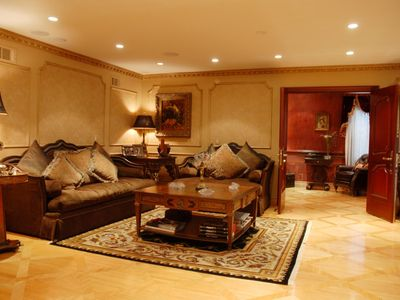 Hollywood estate rental - FAMILY ROOM LEADING TO THE OFFICE OR SPARE BEDROOM