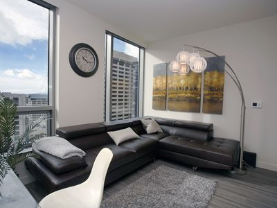 Ultra-Modern 2Bed w/ Amazing Views F2 - Two Bedroom Apartment, Sleeps 5