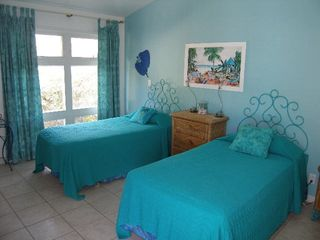 Elbow Cay and Hope Town villa photo - Second guest bdrm. with twin beds. Ample space.