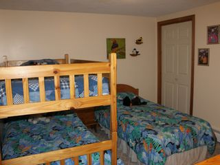 Bretton Woods townhome photo - Kid's Bunk Bed and Twin Bed Room