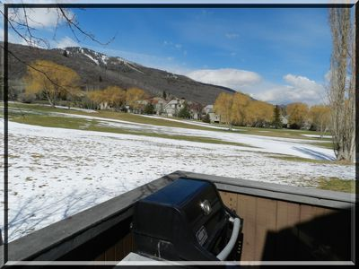 Grill on the deck while you watch golfers, cross country skiers, and eagles.