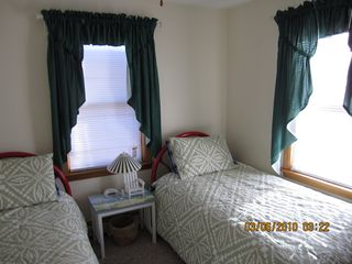 East Dennis house photo - Twin size bedroom