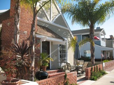 Balboa Island house rental - Tropical beach cottage just steps to the beach