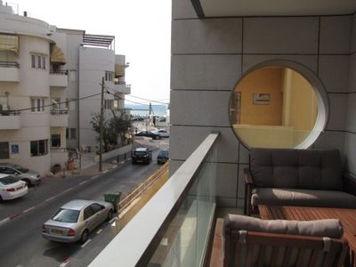 Tel Aviv apartment rental - 1 Min. walk to the beach - 8m2 Balcony with side sea view