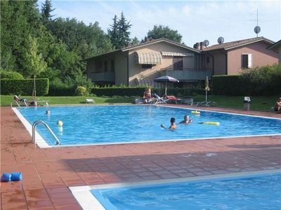 Popular apartment for 4 people, with swimming pool, in Lazise