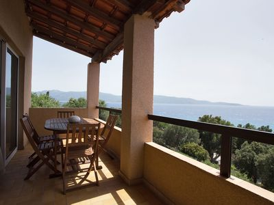 2 bedroom apartment with panoramic view of the sea can accomodate 4 people