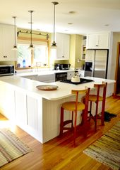 Chilmark house photo - Well equipped kitchen with breakfast bar
