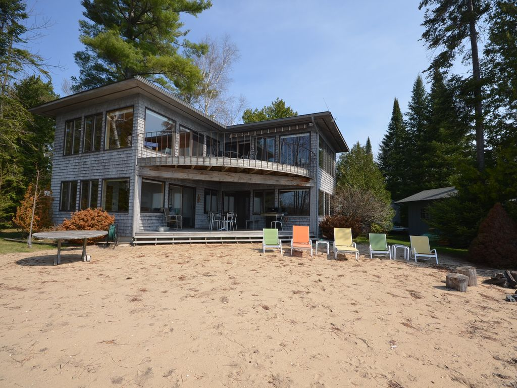 Torch Lake Very Cool House On The Lake 3 Bedroom 2 Bath Dock Monthly