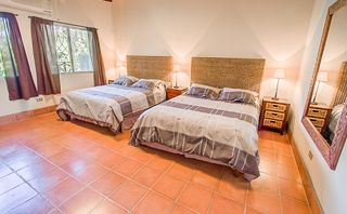 Manuel Antonio house photo - Second bedroom with 2 queen-size beds