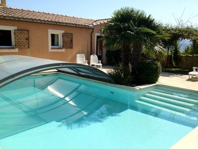 Sunny quiet property in the Luberon with heated pool and jacuzzi