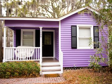 Beaufort cottage rental - Front of our cottage with parking right in front of the house