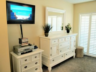 Jacksonville Beach townhome photo - HDTV, DVD player and new furnishings in Master