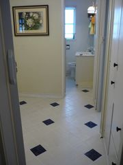 Crescent City cottage photo - Newly tiled hallway