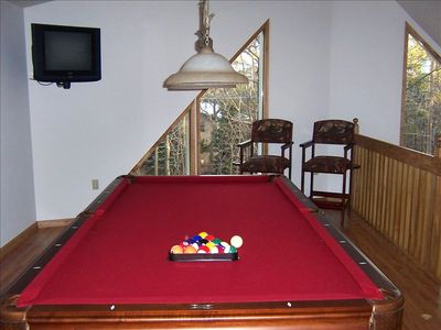 Albrightsville chalet rental - Rack EM UP!! Professional Wood/Slate Pool Table In Oversized Loft!!!!!!!!