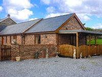 THE COWSHED, country holiday cottage in St Clears, Ref 915497