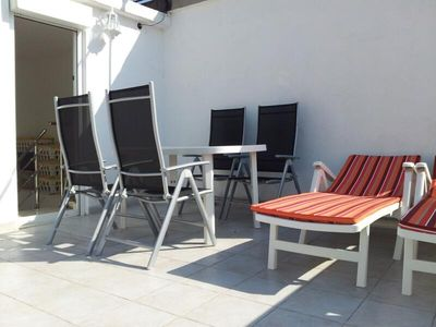 Roof Terrace - Table, 7 Chairs, 2 Sun Loungers,BBQ