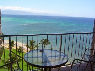 Spectacular oceanviews from our Lanai.