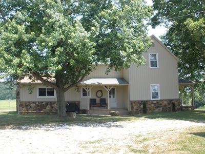 Santa Claus farmhouse rental - Privacy and Convenience! Plenty of Room.