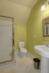 Seattle house photo - Ensuite Bathroom to Bedroom No 4