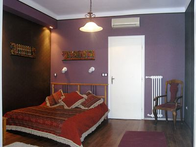 Situated in the famous Vaci street in the pedestrian zone of the historic center