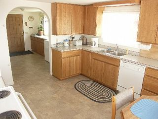 Depoe Bay townhome photo - Large kitchen & utility room with washer & dryer.