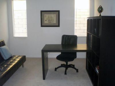Office with wireless internet and additional pull out couch