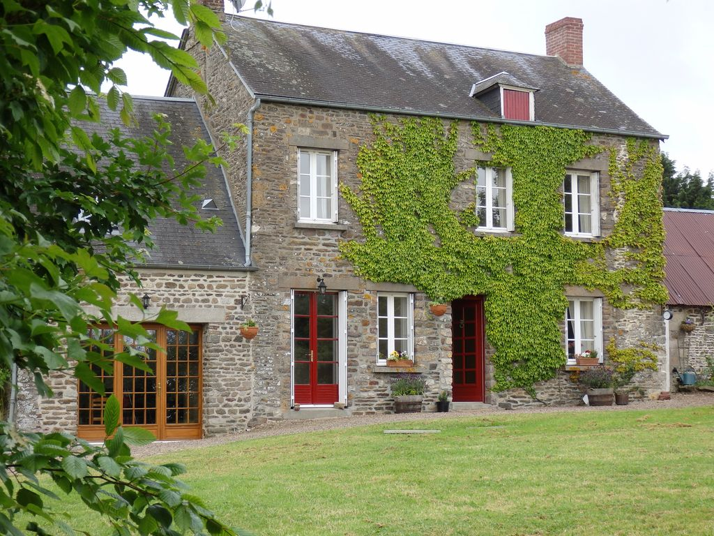 Fr22082 Lovely Two Story Detached Stone Farmhouse With
