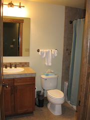Copper Mountain condo photo - Bathroom w/ Vanity, Toilet, & Shower/Tub Combo