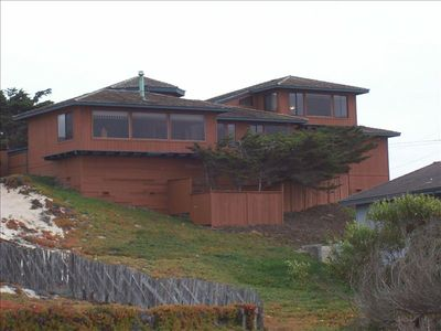 ~ Beach House with magnificent 180 degree views of the Pacific Ocean ~