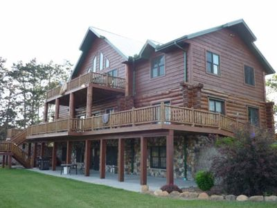 Wisconsin Dells lodge rental - 7,500 sq ft Log Lodge 6bd/4bth,+ 2 Cabins = ENOUGH ROOM FOR BIG GROUPS/FAMILIES.