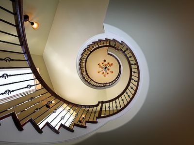 Destin house rental - Three story floating spiral staircase
