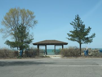 Lake View Beach, 4 blocks from property