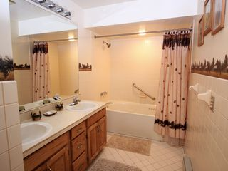Lake Placid condo photo - Master Bath with jetted Tub