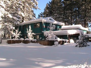 Al Tahoe townhome rental - Winter scene