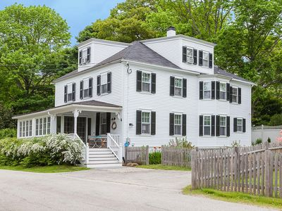 Spacious Maine Cottage with fenced in yard & garden – 2 min walk to harbor beach
