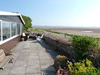 DRIFTWOOD COTTAGE, pet friendly, with a garden in Bardsea, Ref 26010