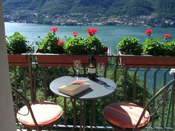 Como villa rental - Breathtaking Lake Views from Living Room Balcony