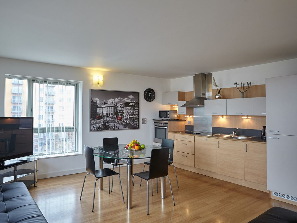 Greenwich three and two bedroom apartments vrbo - 3 bedroom and 2 bathrooms apartment ...