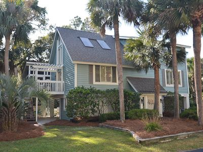Welcome to 2 Driftwood Lane a private beach cottage that is located in N Forest Beach on Hilton Head Island.