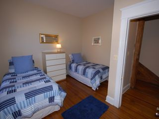Capitol Hill apartment photo - Second bedroom has 2 twin beds-- perfect for kids
