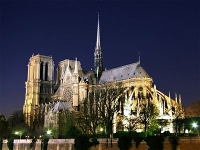 Notre Dame at walking distance