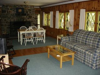 Lake George cottage photo - Living Diningroom