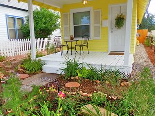Colorado Springs cottage photo - Delightful Front Porch!