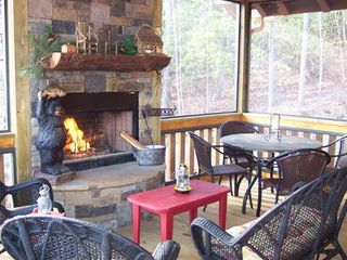 Blue Ridge cabin photo - Tuckaway Ridge Outdoor Fireplace