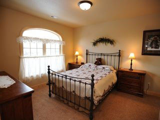 Estes Park condo photo - Second bedroom with queen size bed (in each 3 bedroom condo)